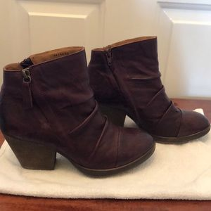 Sofft Gable Leather Bootie Size 8.5